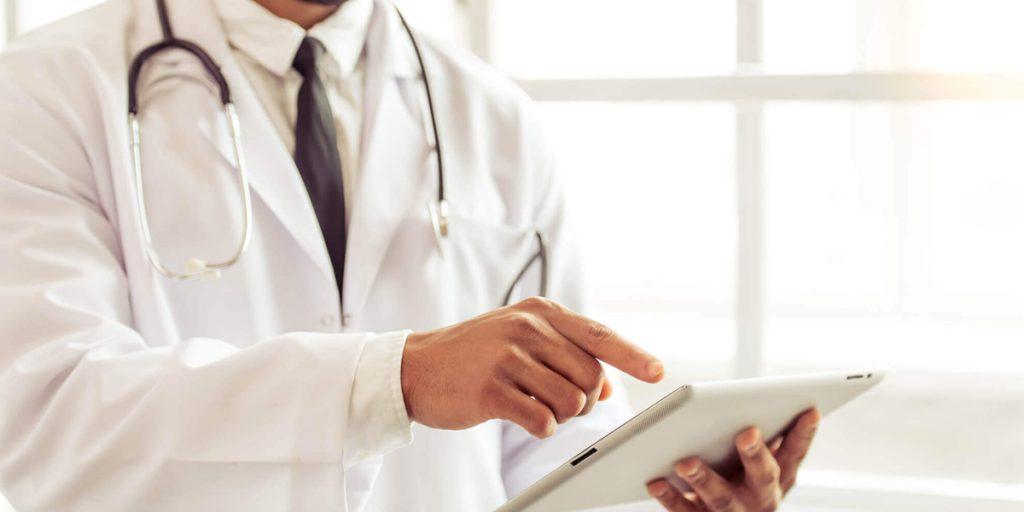 Relatórios de gerenciamento em clínicas médicas