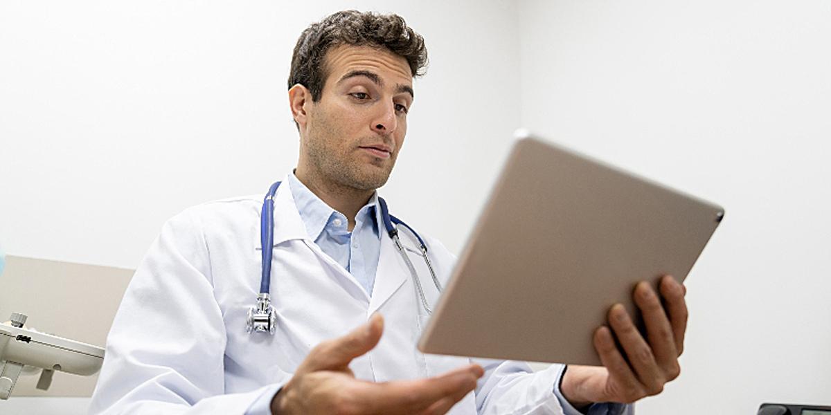 Envie um questionário de avaliação de atendimento médico