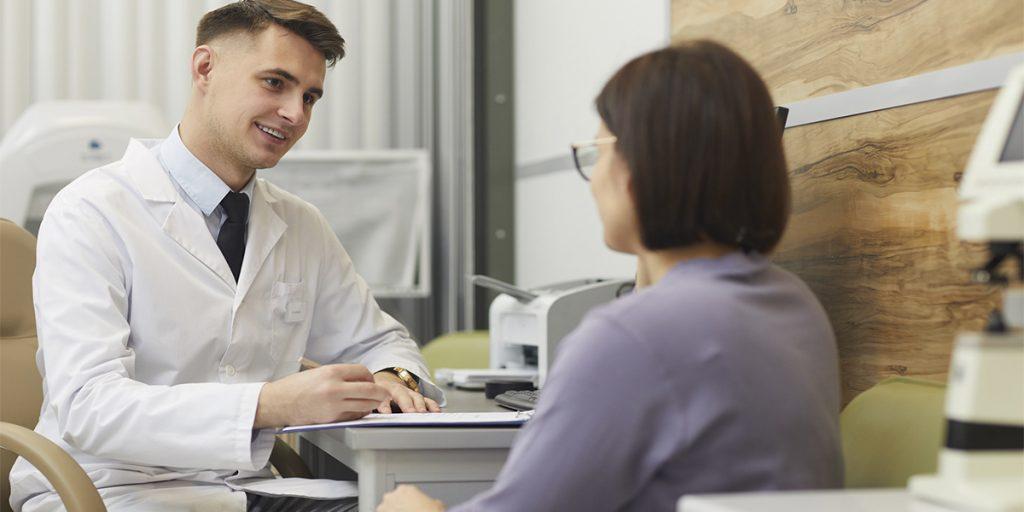 Prontuário eletrônico na oftalmologia: porque ter um específico? | MedPlus